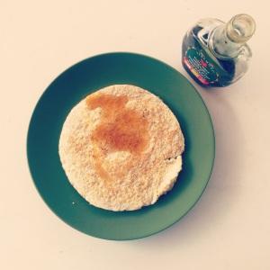 14η μέρα, πρωινό: βάφλα με ασπράδια αυγών και πίτουρο βρώμης με σιρόπι σφενδάμου.